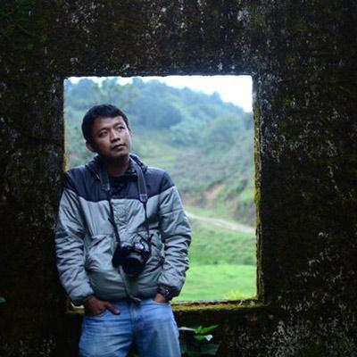 Hkun Li